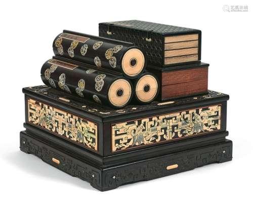 Coffret à sutras et calligraphies composé de sept ...;