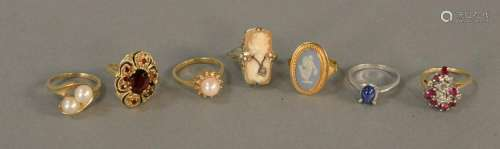 Seven various gold ring set with Cameo, red stone,