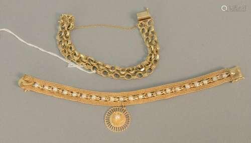 Two 14K gold bracelets, 39.5 gr.