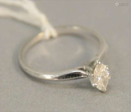 18K white gold engagement ring set with marquise