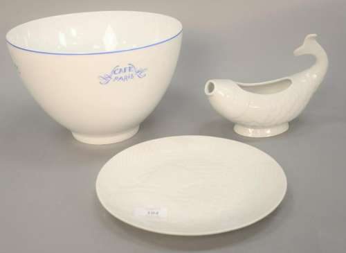 Thirteen piece lot to include porcelain group to